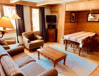 Beautiful 2 bedroom cabin apartment for 8 people...