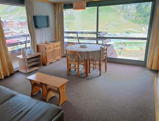Nice and big studio for 4 persons in Tignes next...